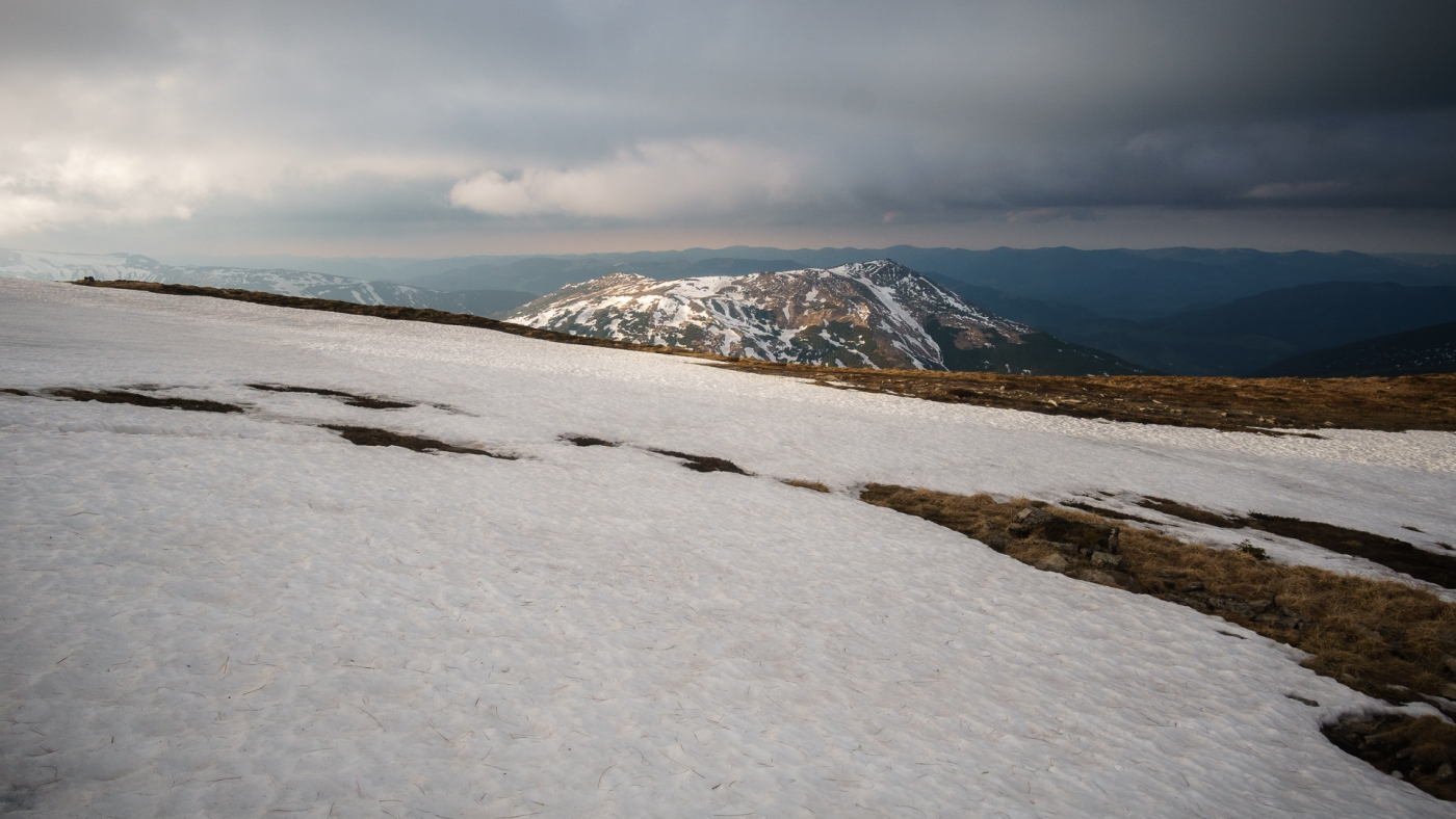 Transcarpathia - Hoverla at the end of winter